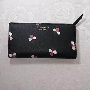 Kate Spade.Large slim Bi_fold wallet